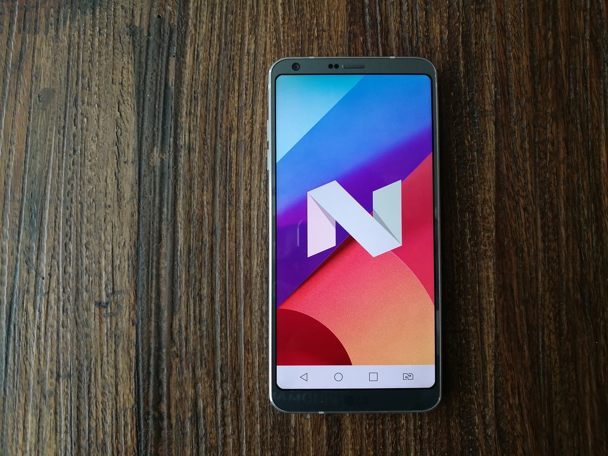 The LG G6 comes bundled with Android 7.0 Nougat.(Photo: <b>The Quint</b>)