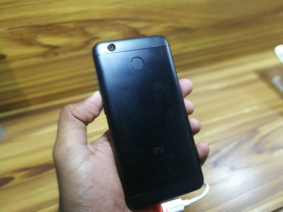 The matte black finish variant of the Redmi 4. (Photo: <b>The Quint</b>)