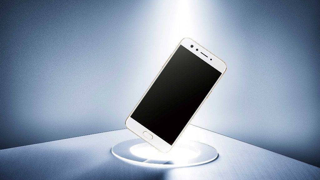 Oppo F3, with dual selfie camera, launched in India. (Photo Courtesy: Oppo)