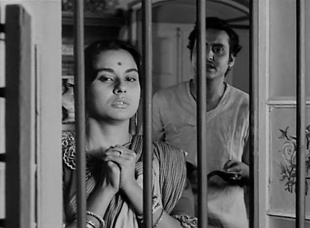 A still from <i>Charulata</i>.