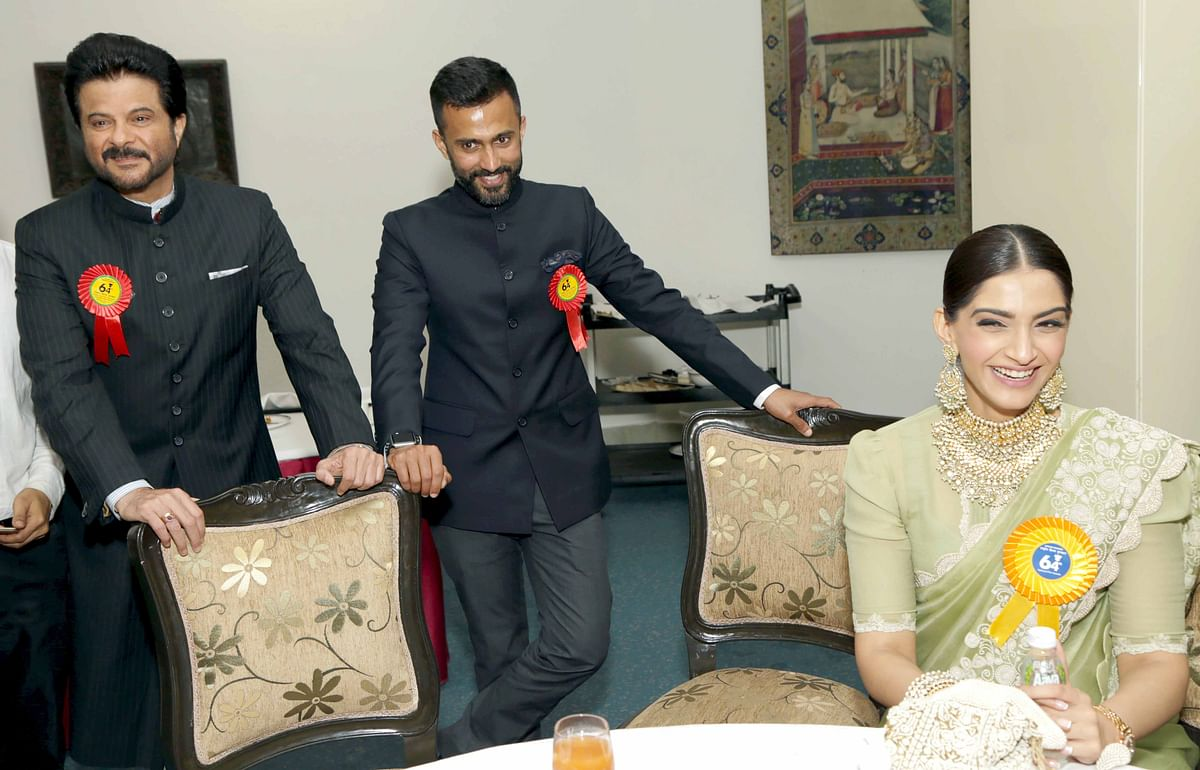 A jubilant Sonam with dad Anil and alleged boyfriend Anand Ahuja. (Photo: Yogen Shah)