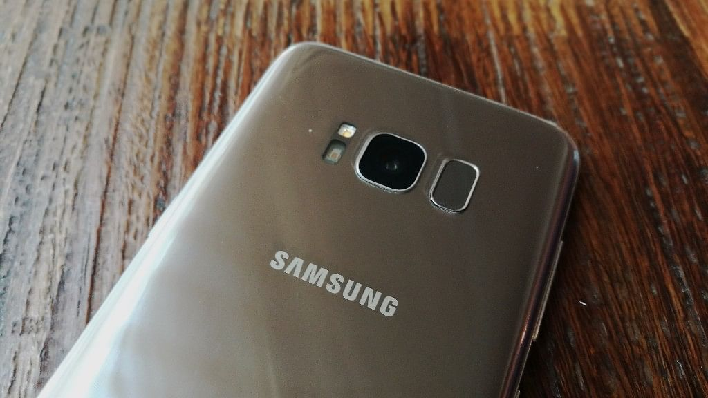 The 12-megapixel rear camera on the Galaxy S8. (Photo: <b>The Quint</b>)