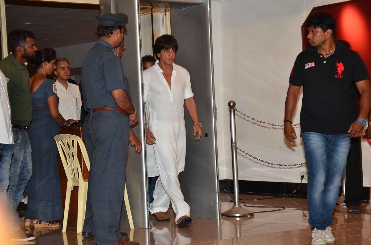 Shah Rukh Khan at the prayer meet. (Photo: Yogen Shah)