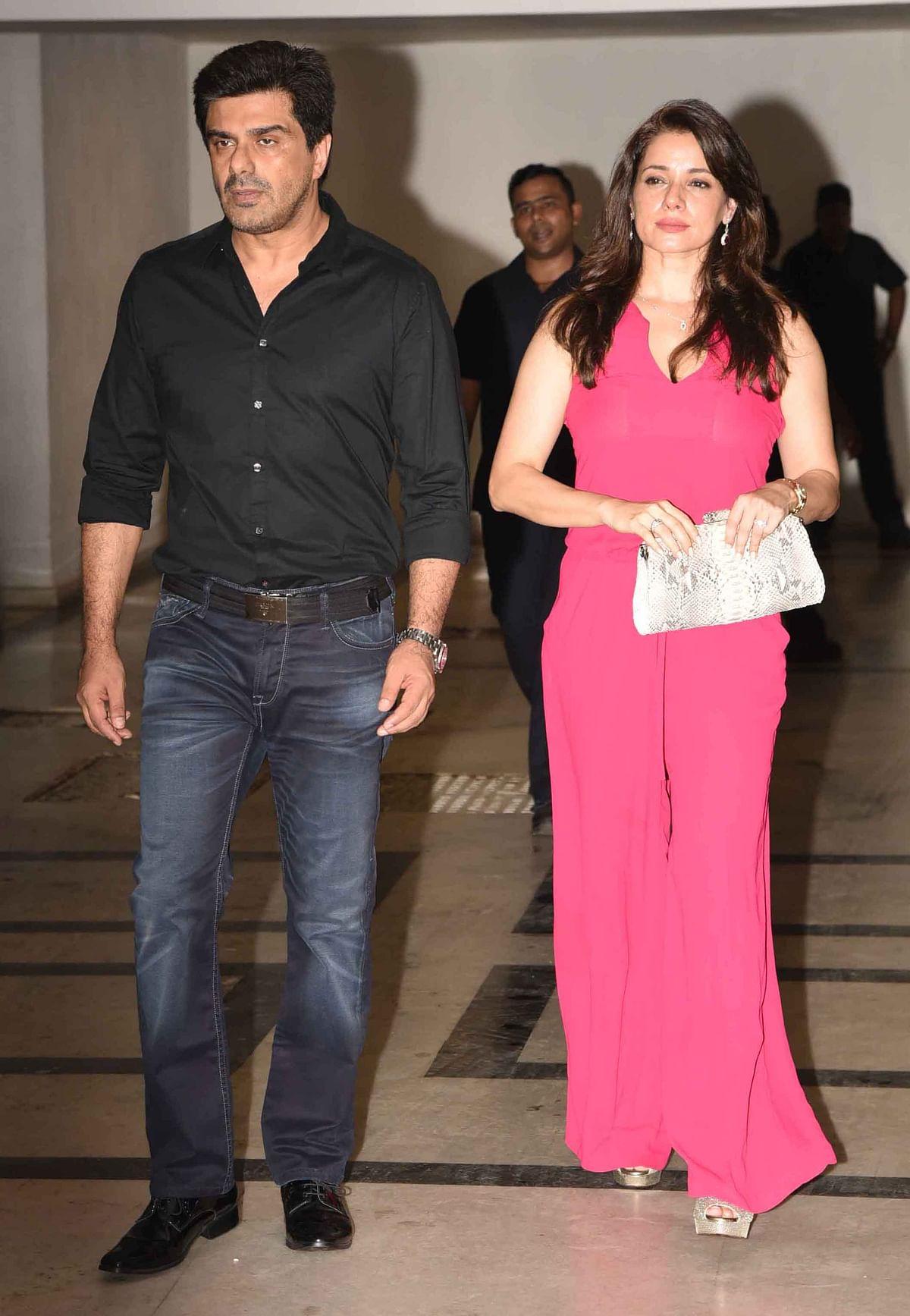 Samir Soni walks in with wife Neelam. (Photo: Yogen Shah)