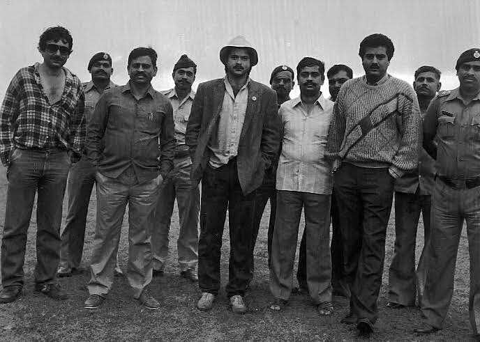 Anil Kapoor behind the scenes of <i>Mr India</i> with Shekhar Kapur, Boney Kapoor and crew members. (Photo courtesy: <i>Mr India</i> Team)