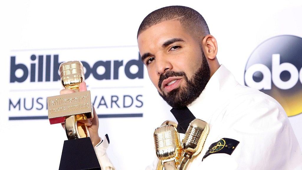 Drake Sweeps Billboard Music Awards 2017