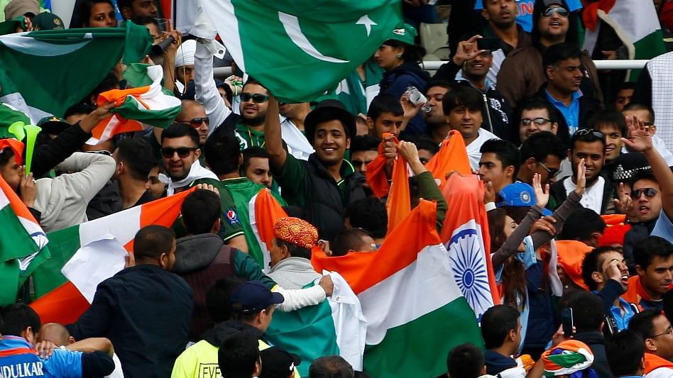 Both sides, India and Pakistan always receive great support in England. (Photo: Reuters)