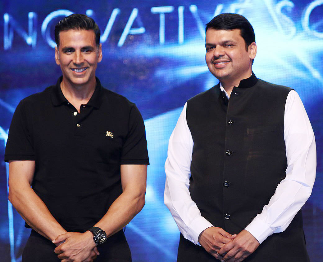 Akshay Kumar with Devendra Fadnavis. (Photo: Yogen Shah)