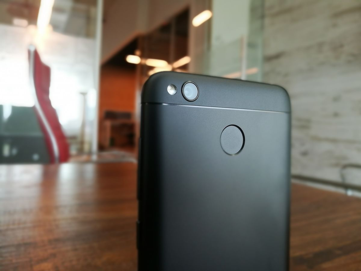 13-megapixel camera at the back. (Photo: <b>The Quint</b>)