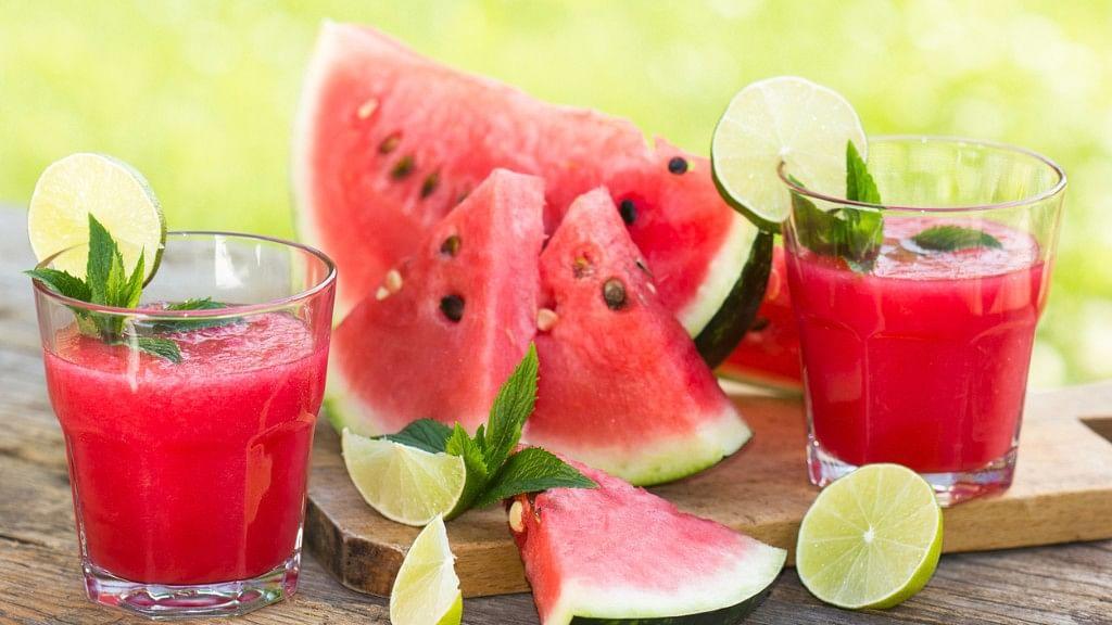 Drink watermelon juice to improve metabolism. (Photo: iStock)