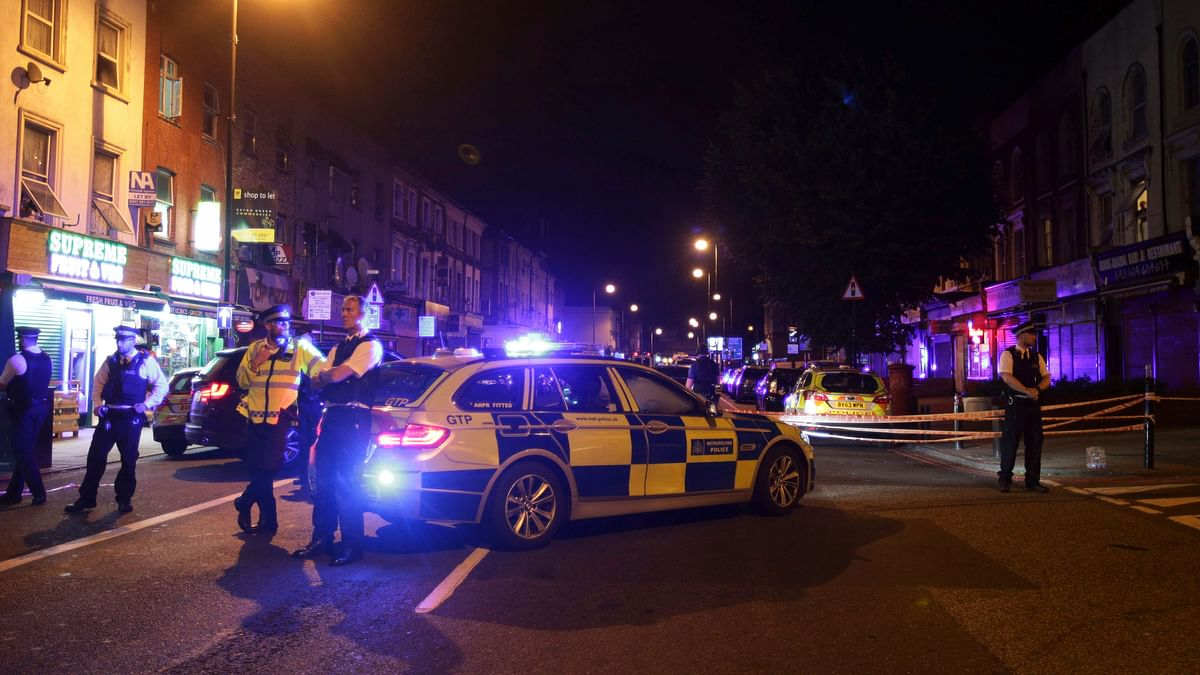 Police man a cordon at Finsbury Park where a vehicle struck pedestrians in London on 19 June 2017. (Photo: AP)