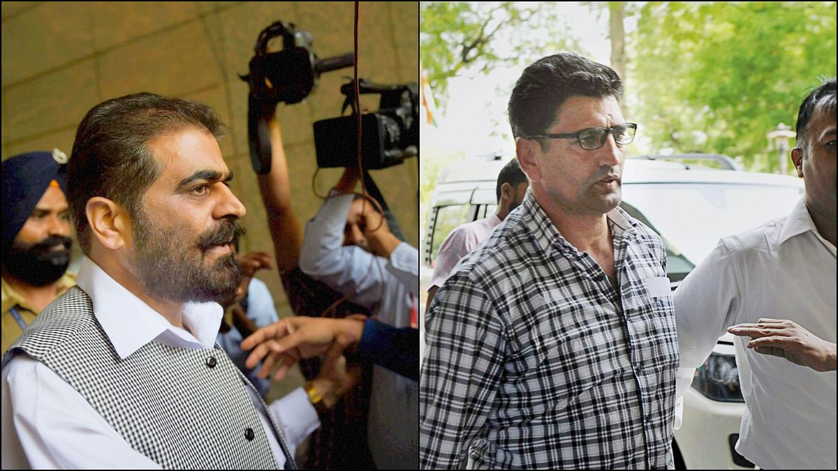 Kashmiri separatist leaders Nayeem Khan and Farrokh Ahmad Dar alias Bitta Karate at  the National Investigation Agency (NIA) office for questioning in the terror funding case. (Photo: PTI)