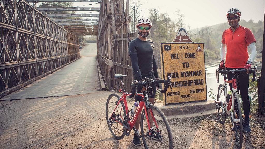 Prashant Madan and Vijay Kumar on their audacious ride from Mumbai to Bangkok on bicycles. (Photo courtesy: Aanchal Dhara Photography)