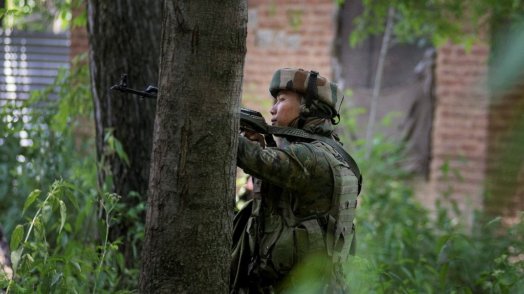 The security forces launched a cordon-and-search operation in Natipora area of Sopore in Baramulla district at around 3:30 am. (Photo: PTI)