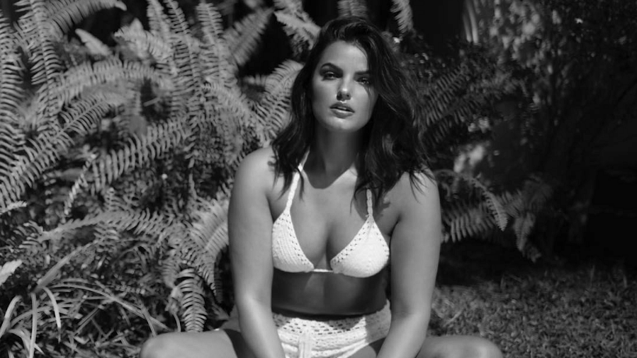 This Plus Size Model Has 5 Kick-Ass Comebacks for Fat-Shamers