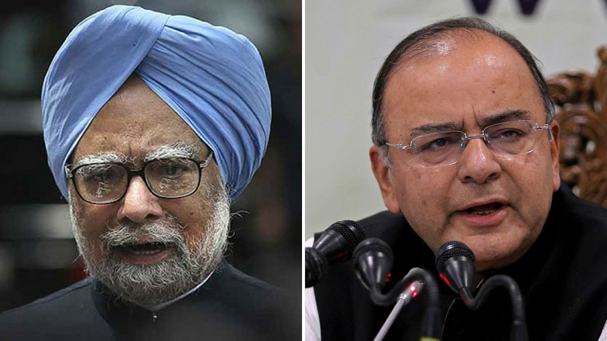 Dr Manmohan Singh (L), Finance Minister Arun Jaitley (R). (Photo: Altered by <b>The Quint</b>)