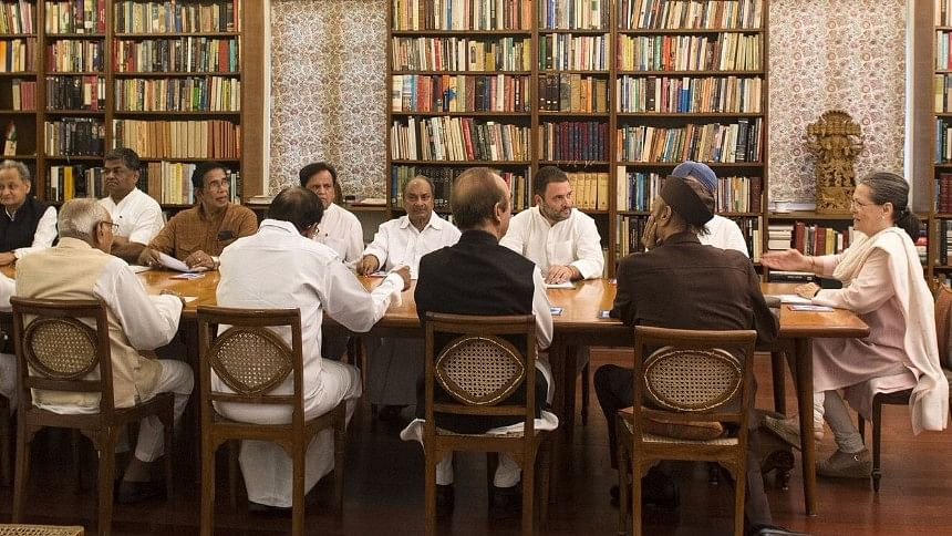 """Congress working committee meet chaired by president Sonia Gandhi. (Photo Courtesy: Twitter/<a href=""""https://twitter.com/OfficeOfRG/status/872020048235200512"""">@OfficeofRG</a>)"""