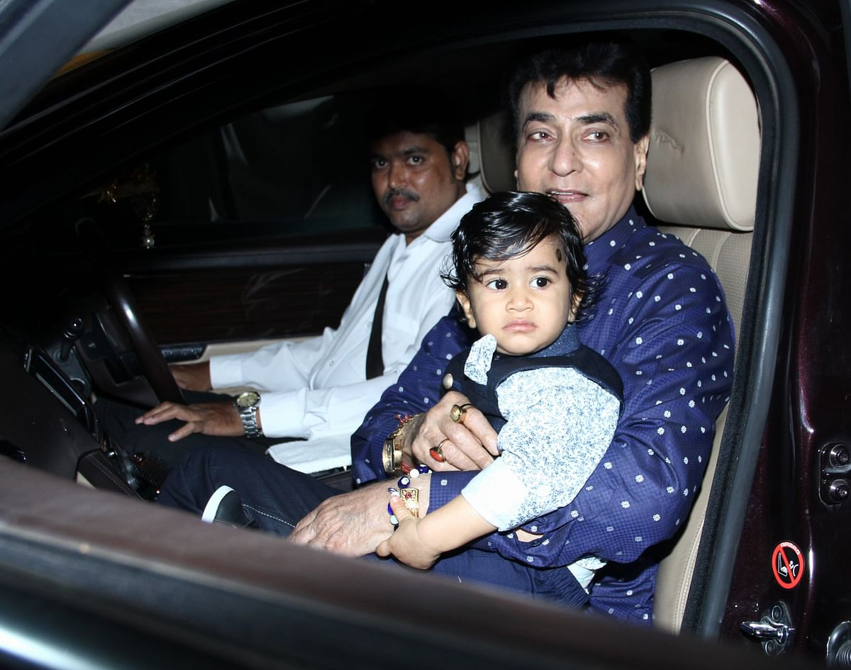Jeetendra was also spotted arriving with his grandson. (Photo: Yogen Shah)