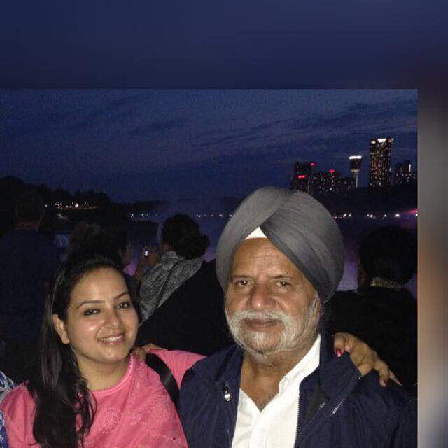 Simran Wadhwa with her dad. (Photo Courtesy: Simran Wadhwa)