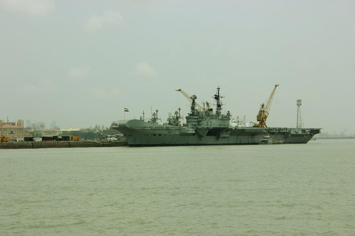 An Indian aircraft carrier in Mumbai. (Photo: iStock)