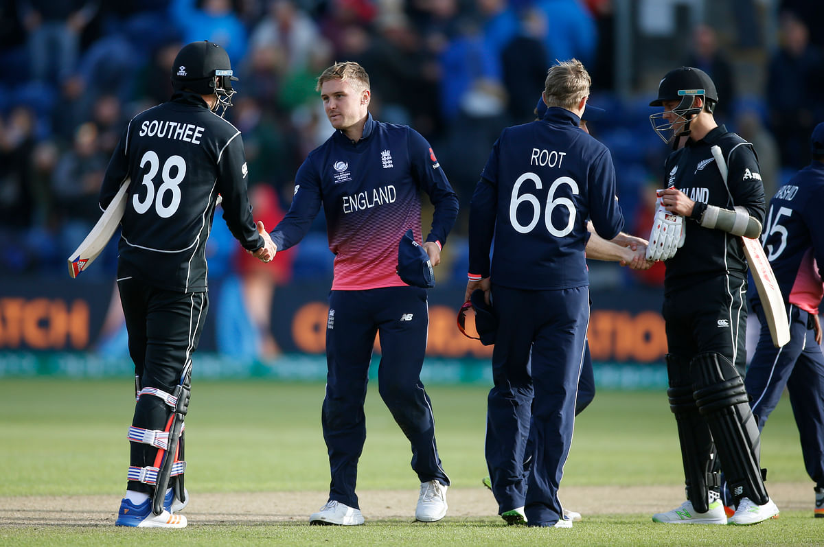 2017 England's Jason Roy shakes hands with New Zealand's Tim Southee at the end of the match. (Photo: Reuters)
