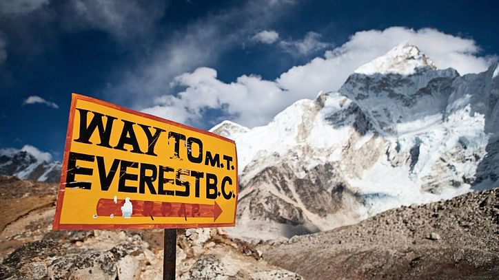 A signboard indicating way to Everest base camp. (Photo: iStock)