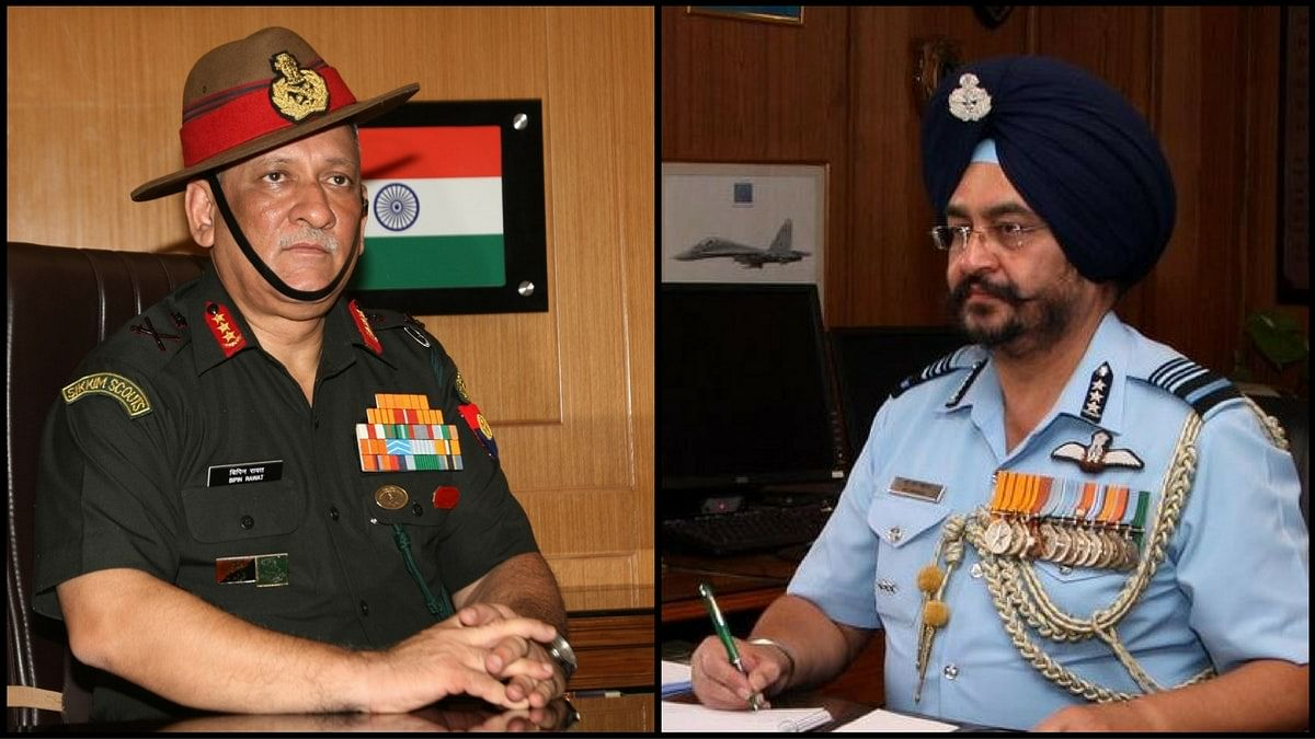 Lt Gen Bipin Rawat and Air Marshal BS Dhanoa. (Photo: <b>The Quint</b>)