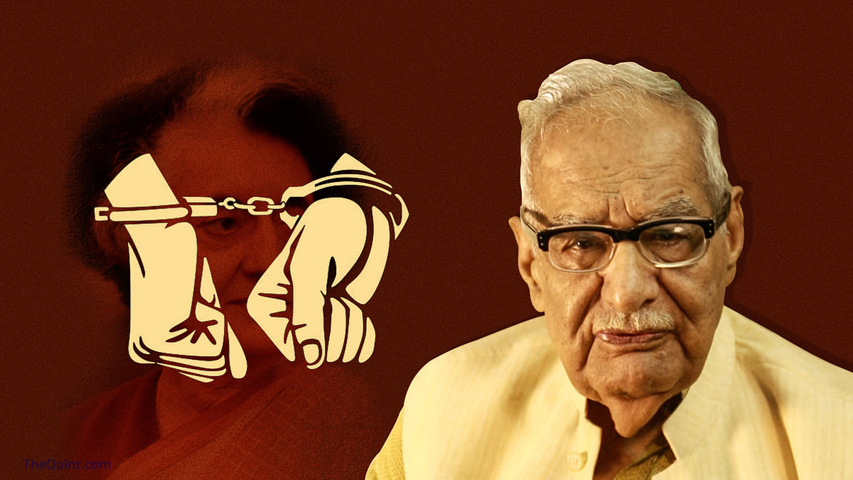 Kuldip Nayar of<i> The Indian Express</i> was arrested for organising a protest against the government on 25 June 1975.&nbsp;