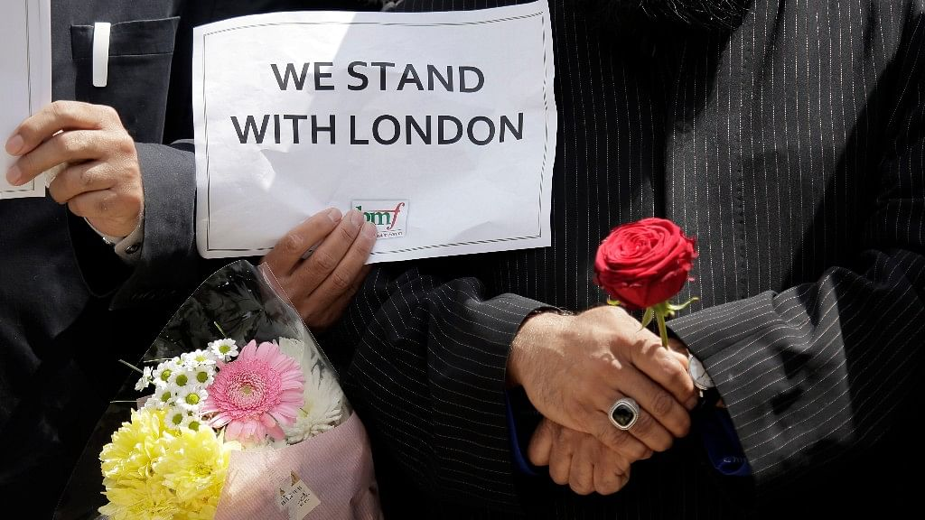 British police arrested a man under counter terrorism laws on Wednesday as part of an investigation into the London Bridge attack. (Photo: AP)