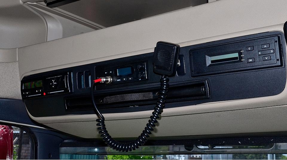 A fixed in-car CB radio installation. (Photo: Pixabay)
