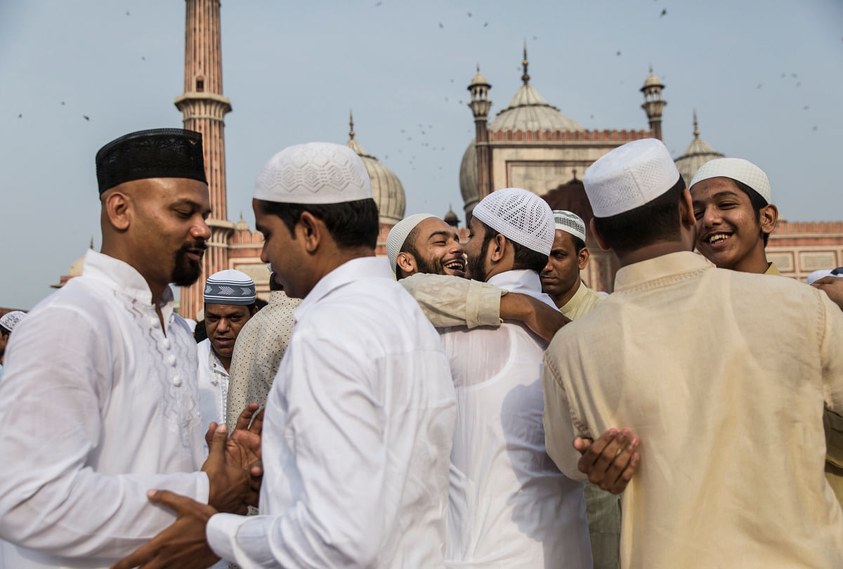 People hugging on the festive day of Eid. (Photo: iStock)