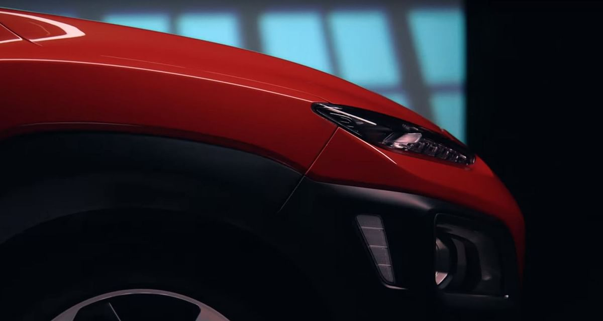 Expect the Kona to pack LED headlamps. (Photo Courtesy: YouTube screen grab)