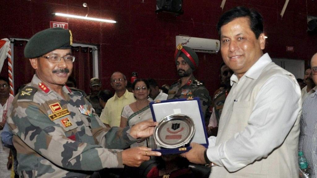 Assam CM Sarbananda Sonowal being felicitated during the unveiling ceremony of Mahabir Lachit Borphukan's statue at Dinjan Military Station, Tinsukia, 5 June 2017. (Photo: PTI)