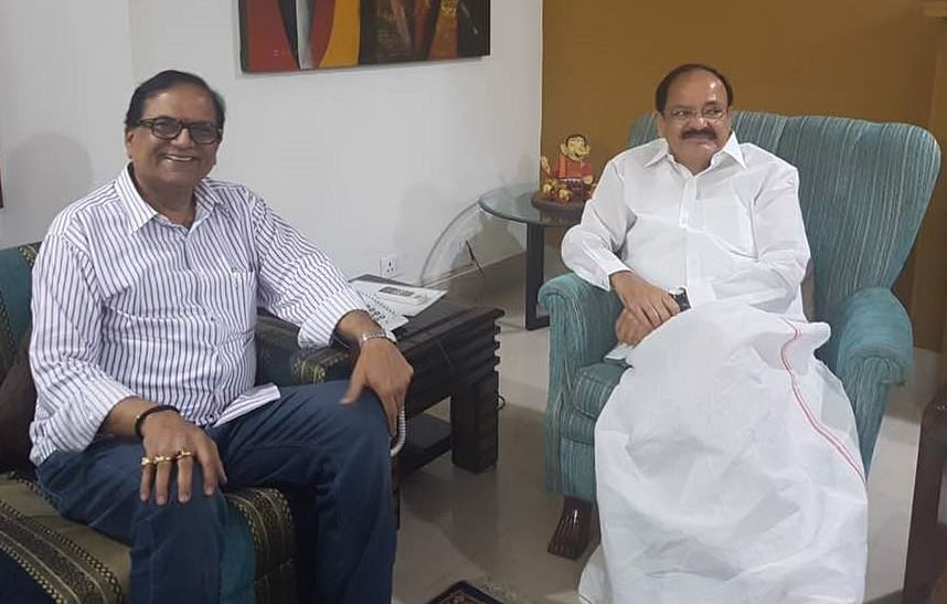 Union Minister Venkaiah Naidu with BSP leader Satish Chandra Mishra. (Photo: ANI)