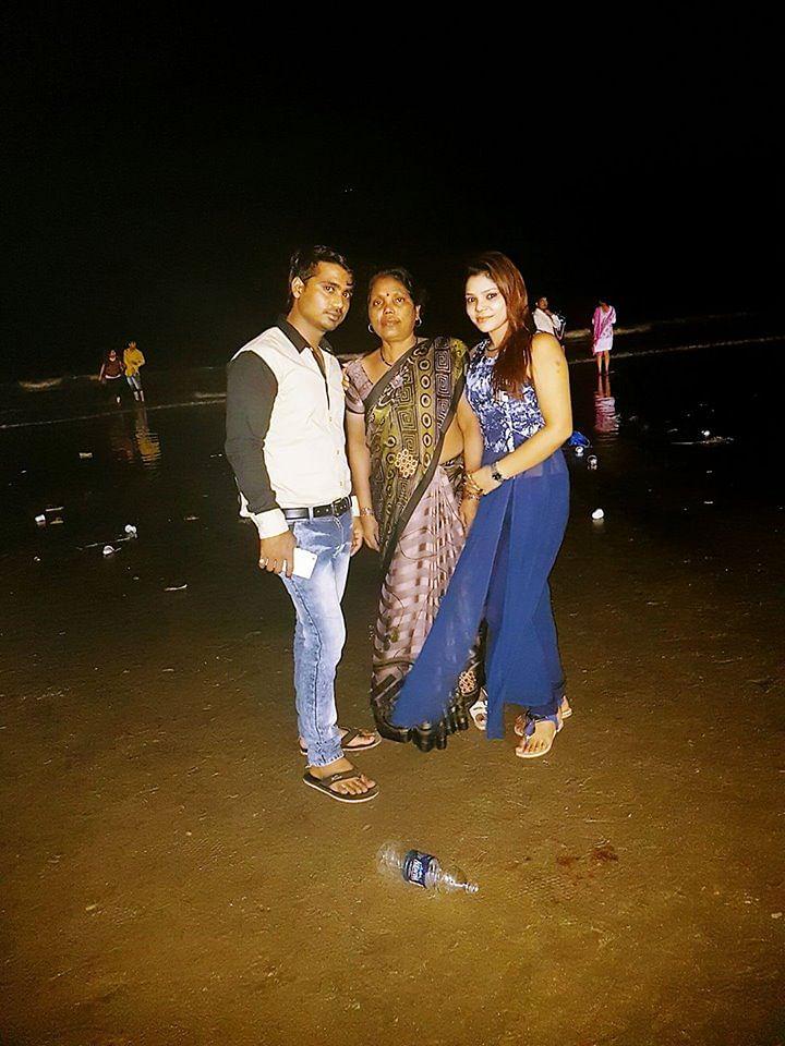 Kritika with her family. (Photo courtesy: Facebook/KritikaChaudhary)