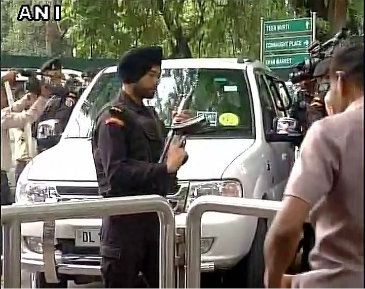 Union Minister Venkaiah Naidu and Home Minister Rajnath Singh reach Congress President Sonia Gandhi's residence in Delhi. (Photo: ANI)