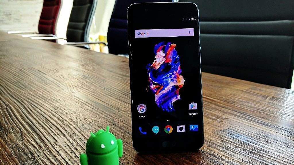 Does the OnePlus 5 look like the iPhone 7 Plus?
