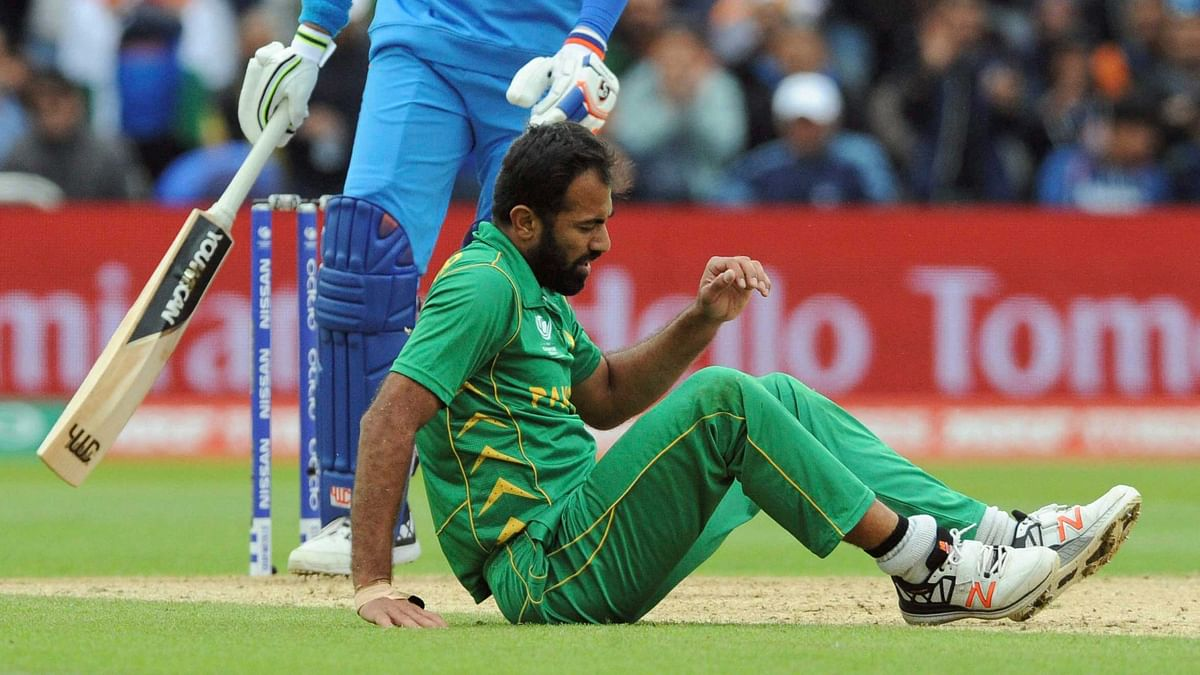 Pakistan's Wahab Riaz suffered an injury during the ICC Champions Trophy match between India and Pakistan at Edgbaston in Birmingham on 4 June. (Photo: PTI)