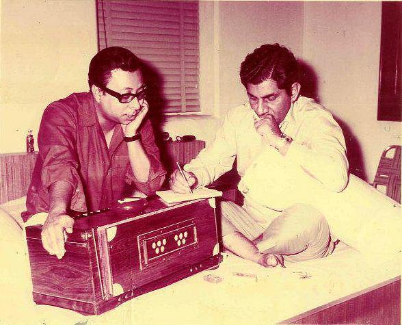 RD Burman brainstorming with lyricist Anand Bakshi.