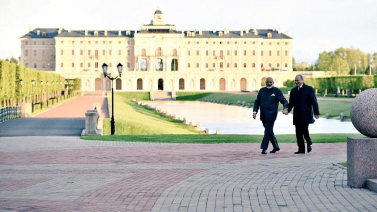 Tactical Gaps in Indo-Russia Ties Despite Putin-Modi's Bonhomie