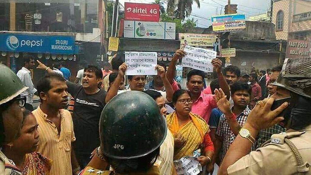 """Clashes broke out between two communities over a """"objectionable"""" Facebook post about a religious site in Baduria, North 24 Parganas district, 4 July 2017."""