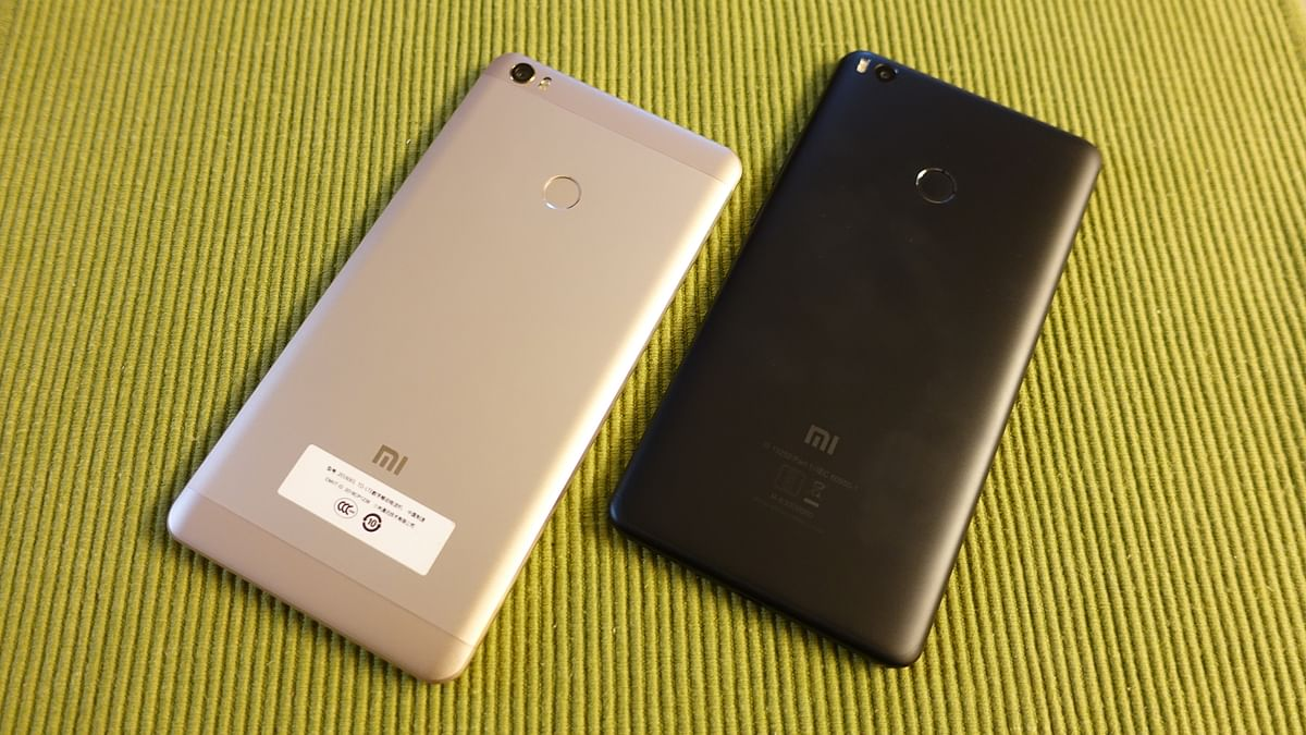 Mi Max (left) and Mi Max 2 (right) in one frame.
