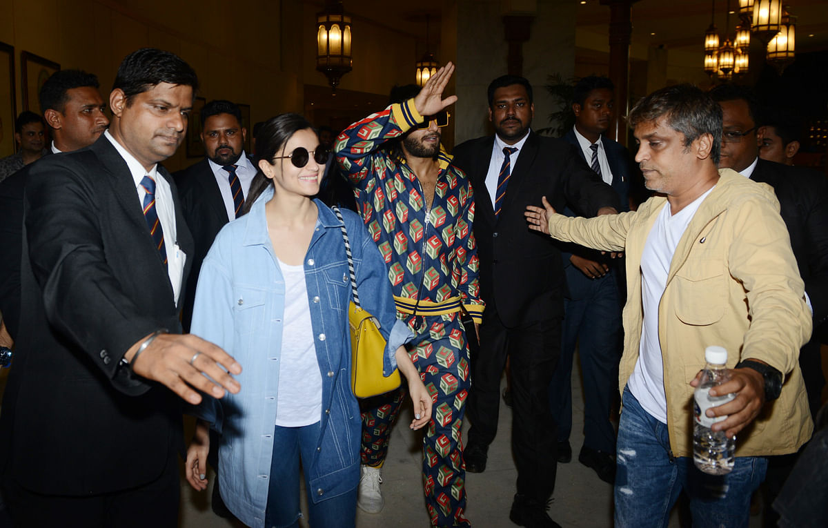 Alia and Ranveer arrived in Delhi for the show dressed in their casual best.