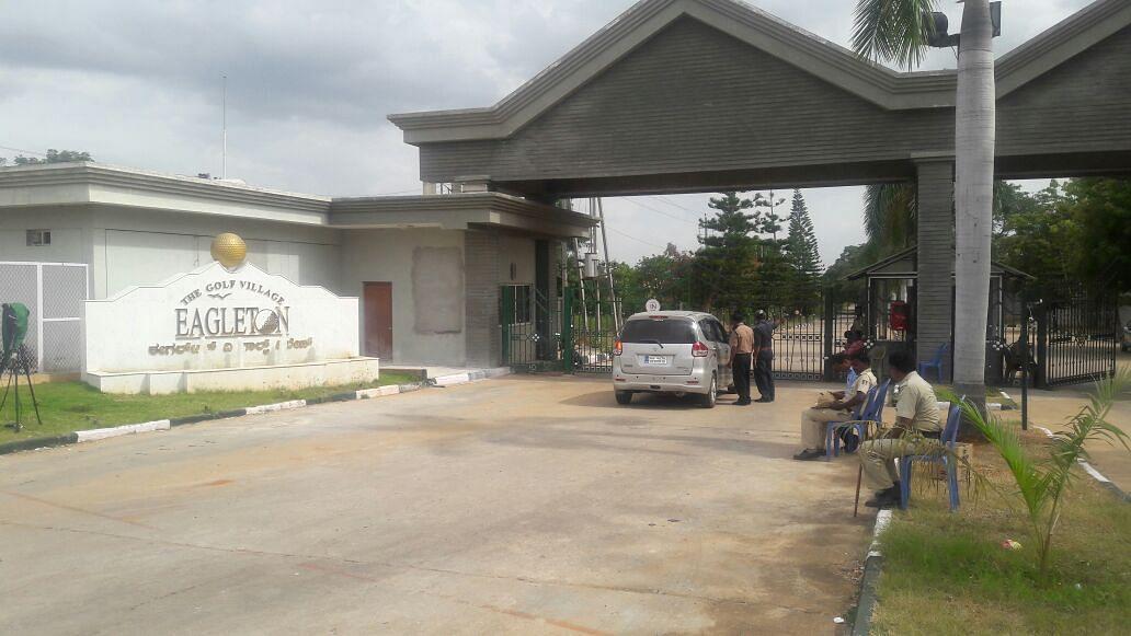 QBengaluru: Resort Politics Back; IISc Students Hold Hunger Strike