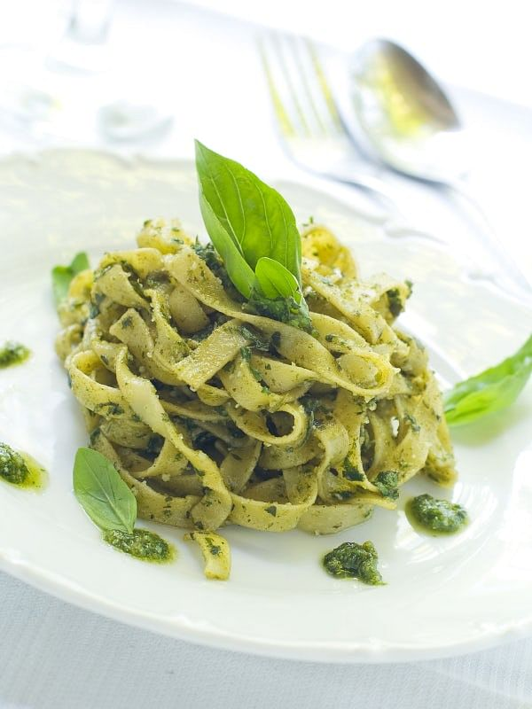 Sauces like pesto mix particularly well with pasta.