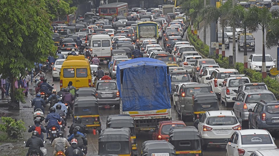 The Western Express Highway saw slow moving traffic.