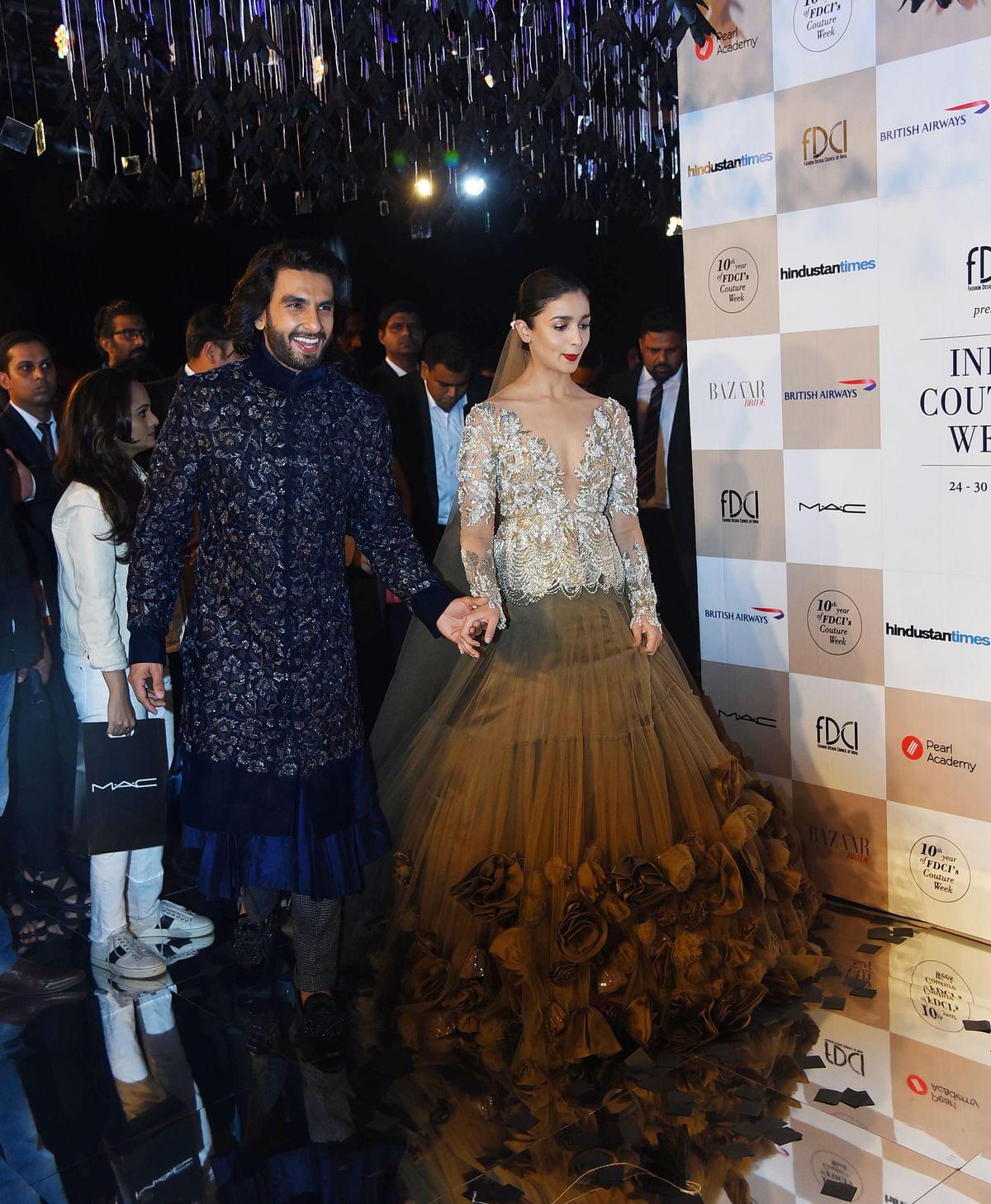 Alia Bhatt with Ranveer Singh at ICW 2017.