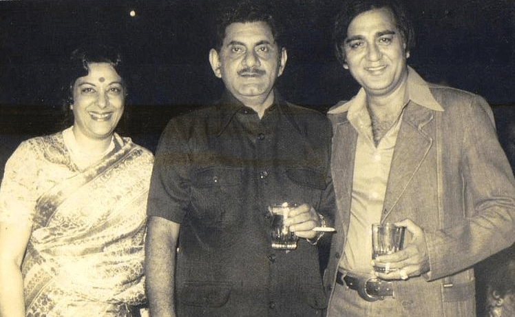 Anand Bakshi with Nargis and Sunil Dutt.