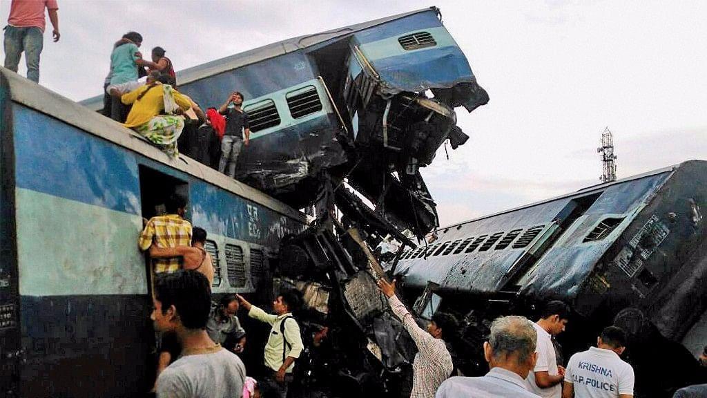 Coaches of the Puri-Haridwar Utkal Express after it derailed in Khatauli near Muzaffarnagar on 20 August.