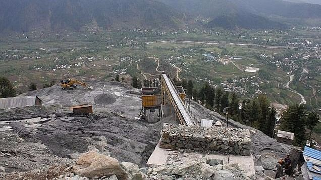 Pakistan opposes the construction of the Kishanganga and Ratle hydroelectric power plants being built by India.